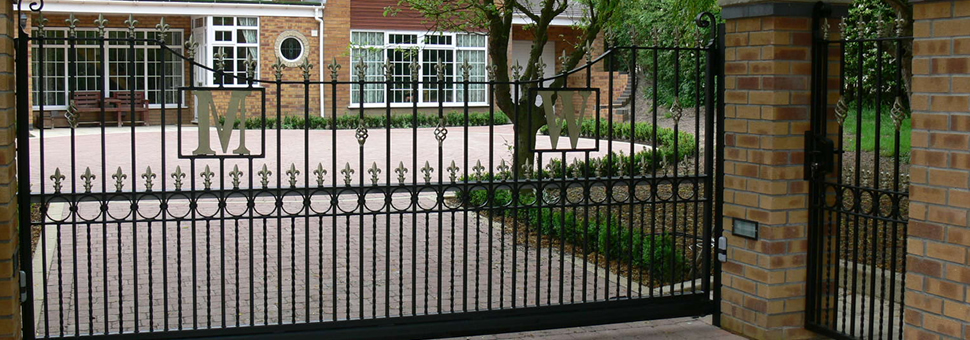 Electric GatesLincoln Metalcraft will design and install the Electric Gates to your specific requirements ensuring you receive a comprehensive service from beginning to end.