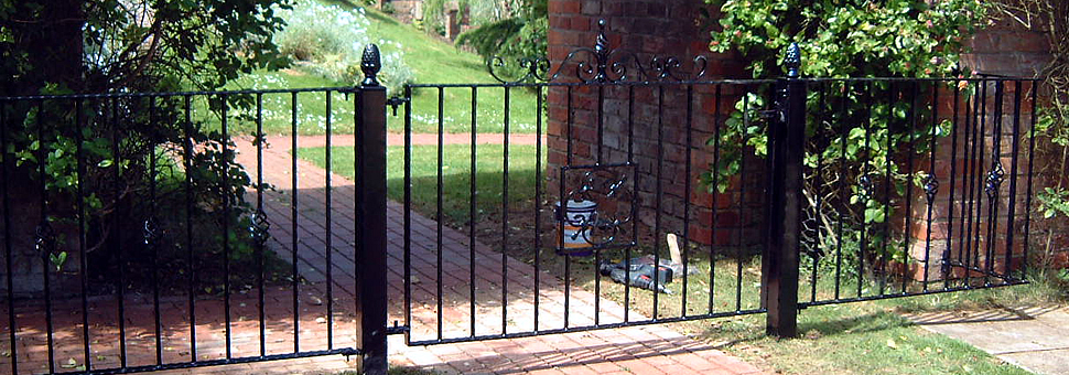 Domestic GatesLincoln Metalcraft will design and install your gates and enhance the beauty and efficiency of the entrance way to your property.